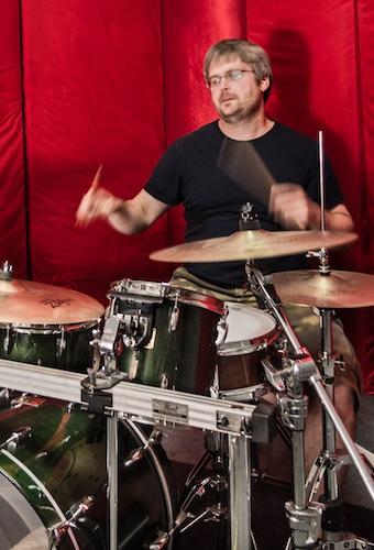 Pete Williams Drummer 04